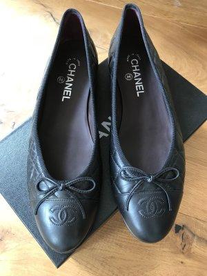 Chanel Ballerinas black