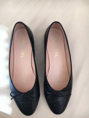 Chanel Ballerinas Gr. 40 schwarz 100% Leder Top