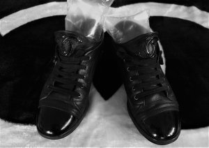 Chanel Zapatilla brogue negro Cuero