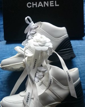 Chanel Black & White Leather Sneakers Gr.-36,5 (bis37) Neupreis - 790€