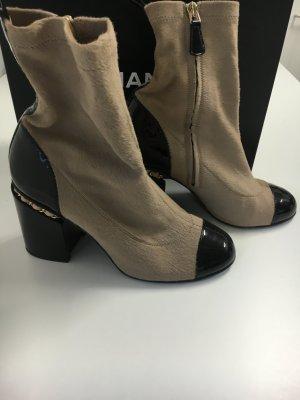 Chanel Botas beige-negro