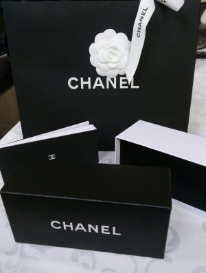 Chanel Brillen Box und Tüte mit Kamelie+Band
