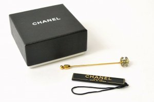 Chanel Broche doré
