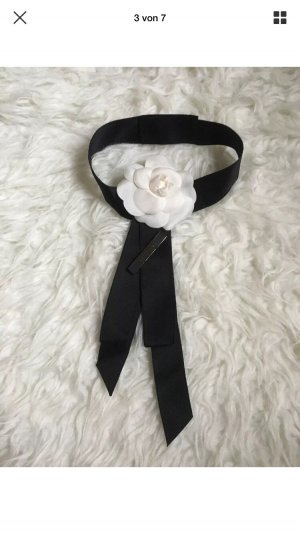 Chanel Scarf cream-black