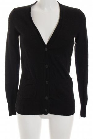 Chanel Cardigan noir style décontracté
