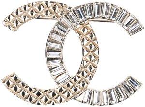 Chanel Broche doré métal