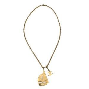 Chanel CC Halskette mit Segelboot Motiv Anhänger in der Farbe Gold