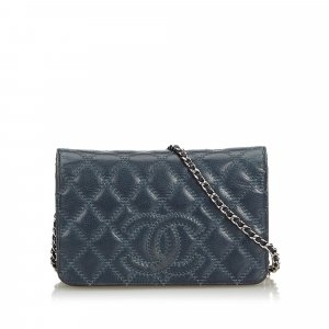 3663780f1f399 Chanel CC Lambskin Leather Wallet on Chain