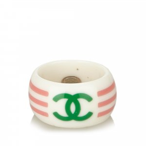 Chanel Ring wit