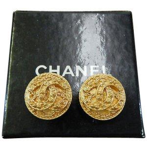 Chanel Clip-on Vintage CC