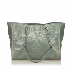 Chanel Tote pale green leather