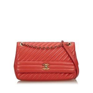 Chanel Sac porté épaule rouge cuir