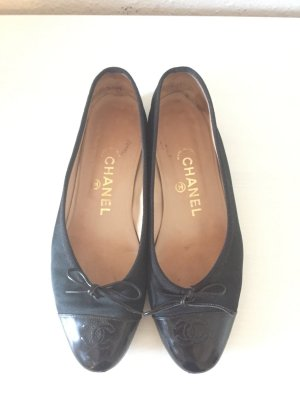 Chanel Flats Ballerinas Ballerina Schuhe Lack Kappe Schwarz Black