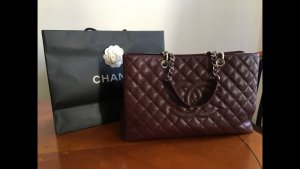Chanel Sac à main argenté-bordeau