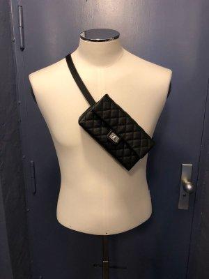 Chanel Gürteltasche schwarz NEU
