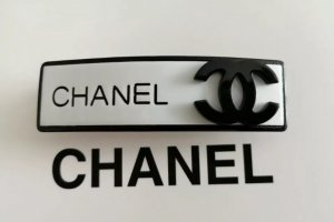 Chanel Hair Clip white-black