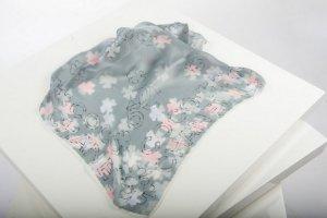 Chanel Halstuch aus luftigem Seide-Crepe