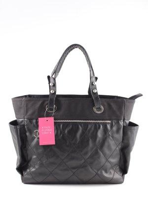 Chanel Sac Baril noir motif de courtepointe style d'affaires