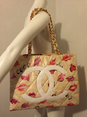 Chanel Jumbo XL Beige x Multicolor Lips and Kisses Graffiti Nylon