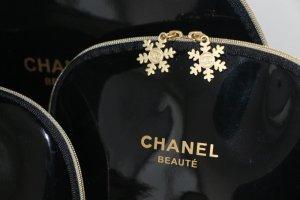 Chanel Kosmetiktasche in Lackoptik