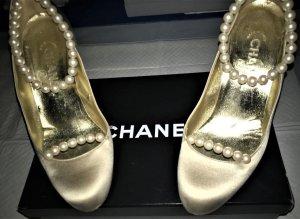 Chanel Luxus beige Satin Pumps,Sandale,Schuhe mit Perlen Gr.37,5