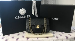 CHANEL MEDIUM DOUBLE FLAP BAG