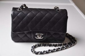 Chanel Bolso negro-color plata
