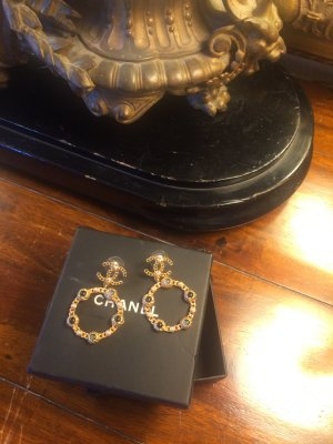 Chanel Boucles d'oreille en or brun sable