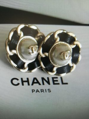 Chanel Ear stud black-gold-colored