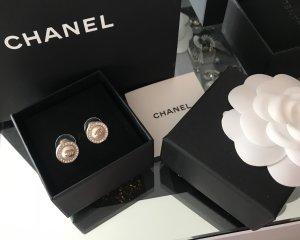 Chanel Zarcillo blanco-color plata