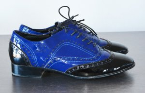 Chanel Oxford Brogue Schuhe Lackleder