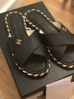 Chanel Pantoletten schwarz Gr. 38