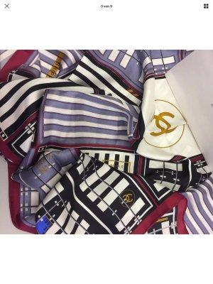 Chanel Pañuelo de seda multicolor
