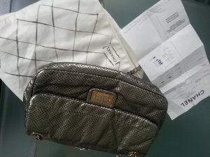chanel perforated Silber medium flap bag