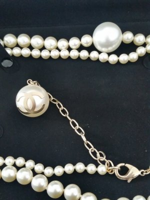 Chanel Pearl Necklace natural white