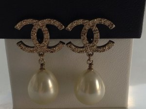 Chanel Pearl Earring white-pale green