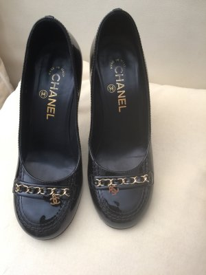 Chanel Pumps Gr. 36,5 Lackleder High Heels