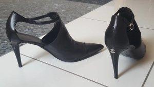 Chanel Escarpins à lanière noir cuir