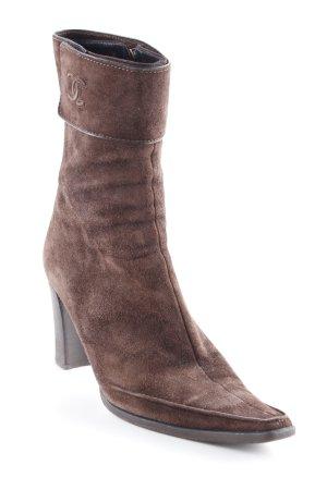 Chanel Reißverschluss-Stiefeletten braun Street-Fashion-Look