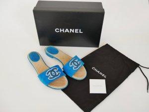 Chanel Sandalen Schlappen Schuhe Flats Logo Wildleder Türkis 37 BOX