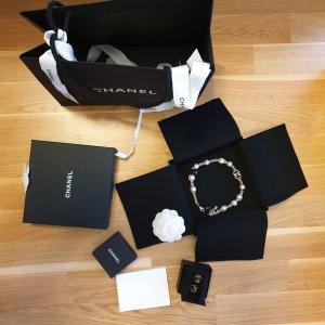 Chanel Collar de perlas color oro