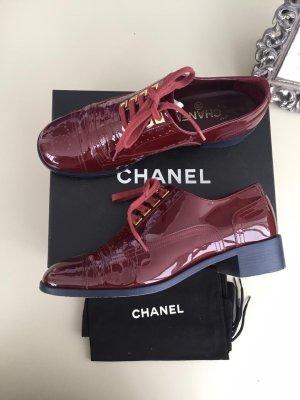 Chanel Zapatos brogue burdeos
