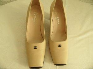 Chanel Schuhe Pumps Beige Leder CC-Logo Schwarz gr. 40 Laam Leder