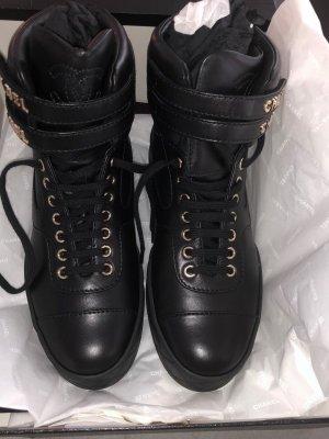Chanel Sneaker con strappi nero