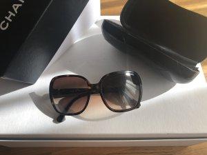 Chanel Occhiale da sole spigoloso marrone