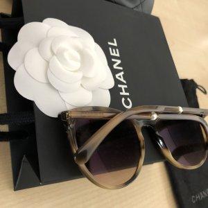 Chanel Lunettes de soleil rondes brun foncé