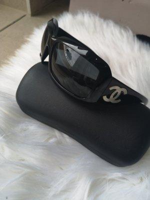 Chanel Lunettes de soleil angulaires noir