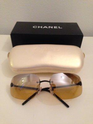 Chanel Lunettes de soleil angulaires marron clair
