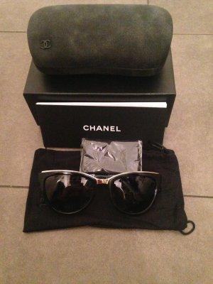 Chanel Lunettes de soleil ovales noir-brun sable