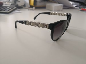 CHANEL Sonnenbrille schwarz